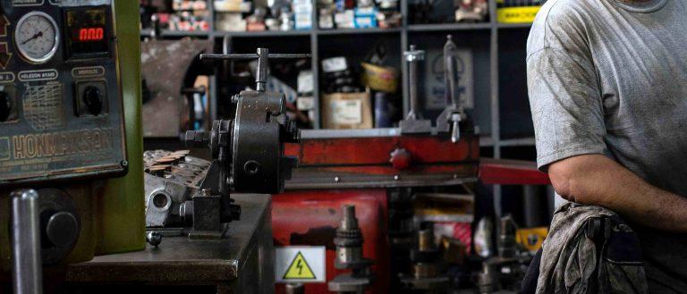 Maschinen Mensch Arbeit Regal