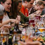 Tisch Essen Gesellschaft Gemeinsam